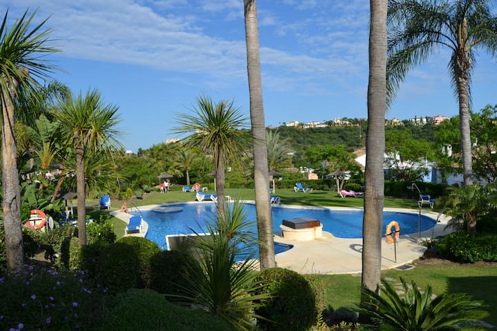 QUIET GOLF APARTMENT IN MARBELLA - Benahavís - Leilighet