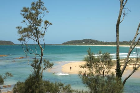 Australian beach and bush heaven - Broulee - Hus