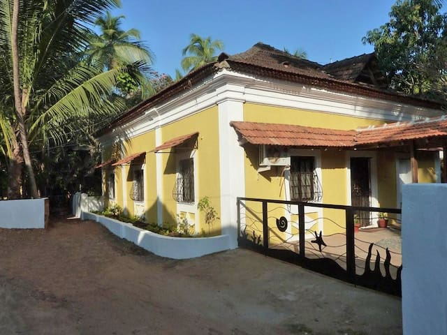 Casa Lenas - private holiday home - Candolim - Villa