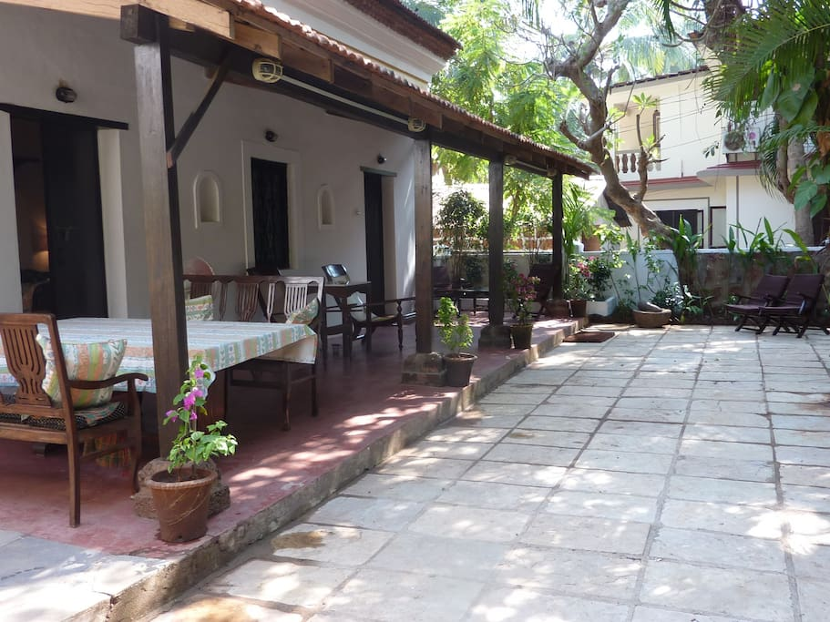 The private garden, with large patio en veranda, providing privicy and shade