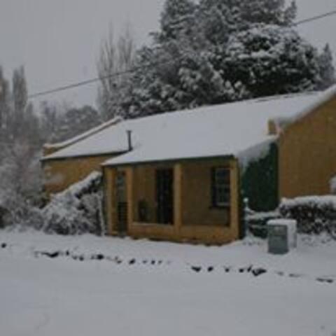 Rhodes Cottages - Sam's Cottage