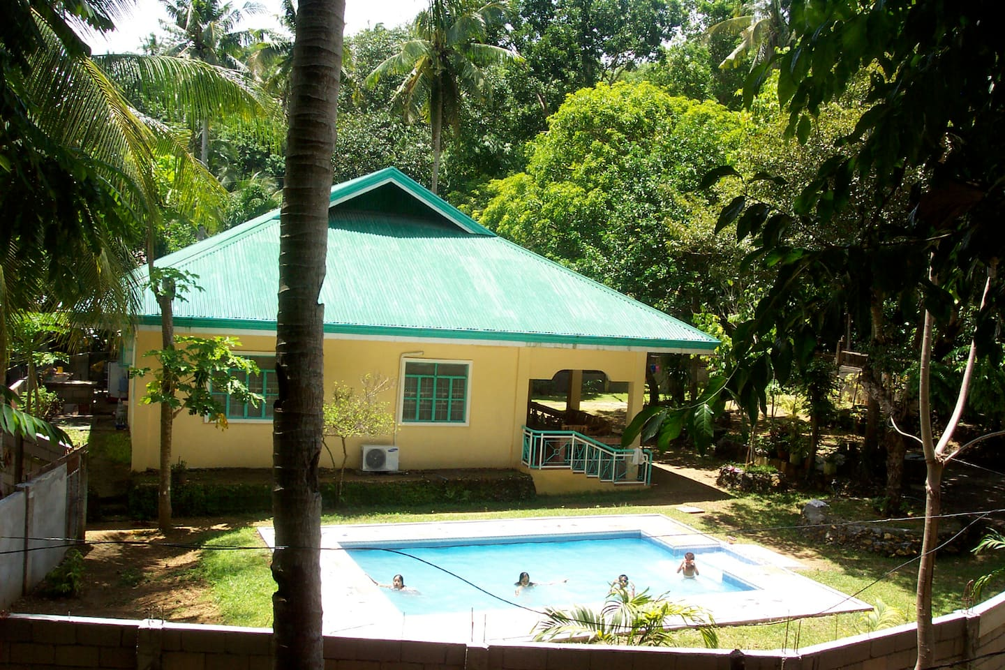 guimaras island with swimming pool - houses for rent in buenavista