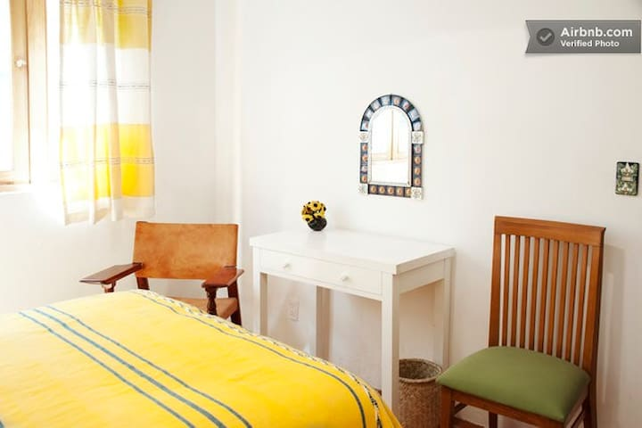 Authentic b & b room, Coyoa Girasol - Mexico - Bed & Breakfast