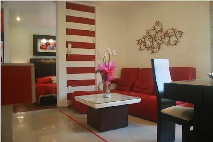 Business Suite RED near Reforma Av.