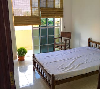 Cosy Sea View 3 Bed Apt - Wifi - Colombo - Wohnung