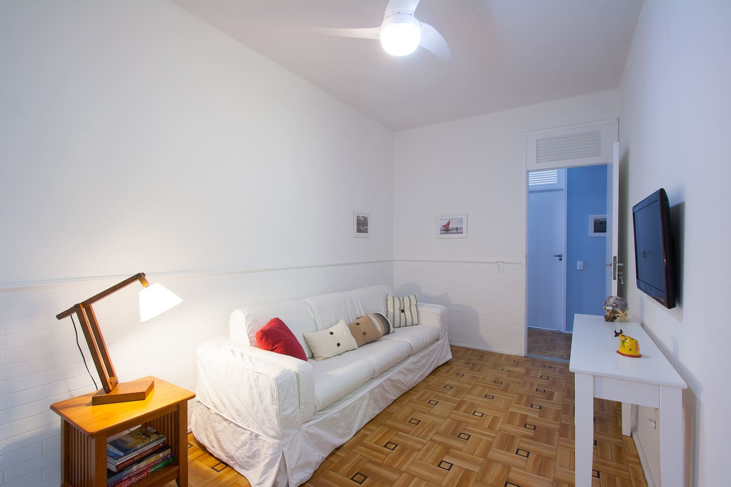 Furnished Flat sleeps 8 + WI-FI -ac