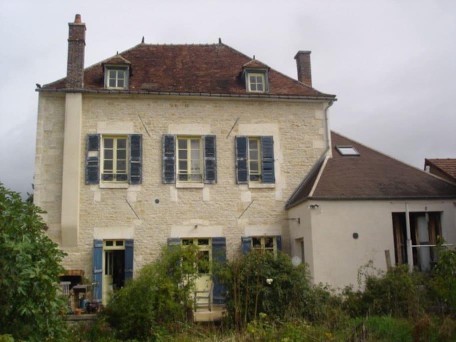 House near the burgundy canal casas en alquiler en tonnerre burgandy francia - Casas de alquiler en francia ...