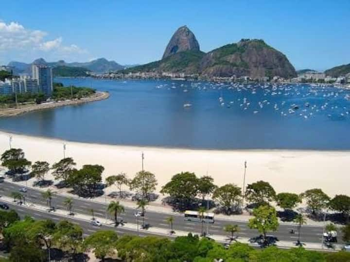 Praia Botafogo ao lado do shopping. wifi,Smart TV
