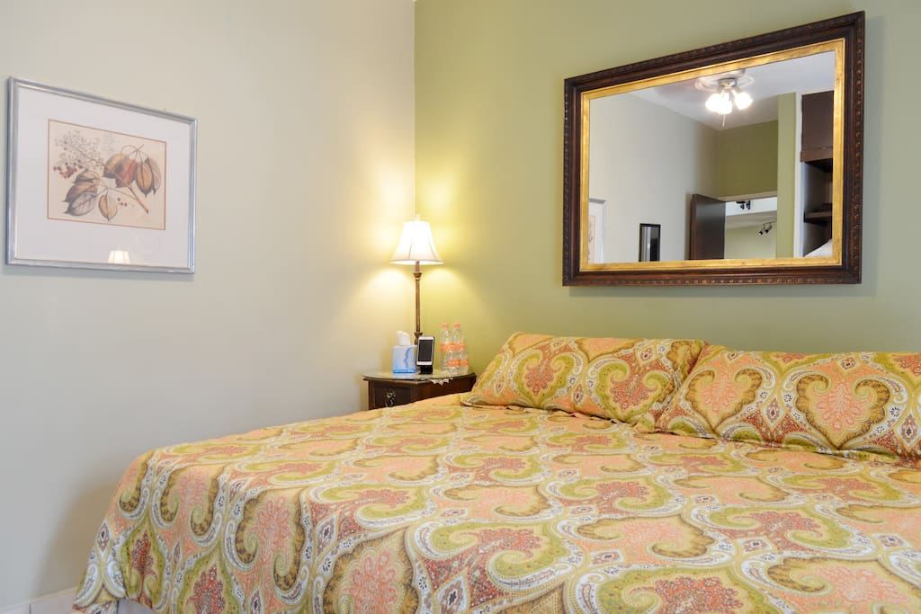 CA King bed in business ready home near Expo-Guadalajara