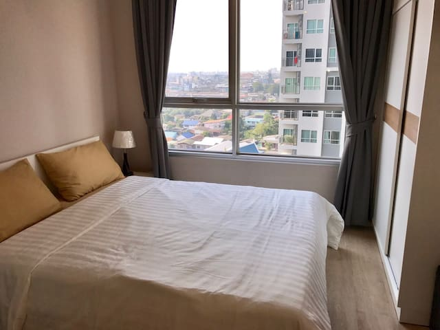 Modern and New Room, 3 mins to BTS, Wifi,Pool,Gym