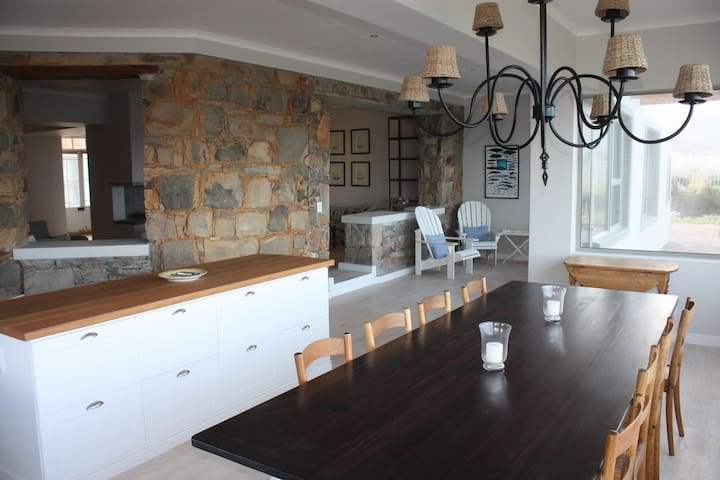 Breakfast and Dining area