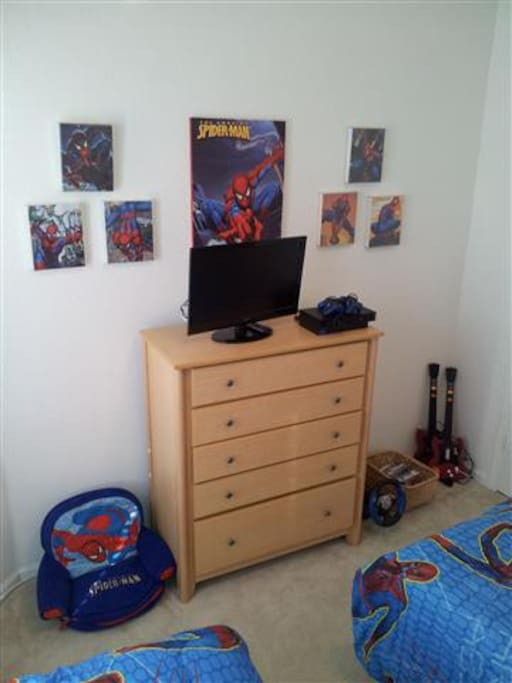 Spiderman Themed Room with Flat Screen TV and Playstation 2