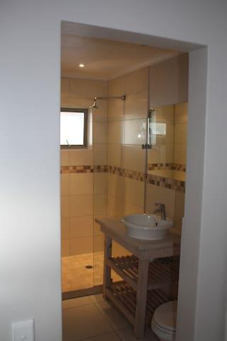 Bathroom no 6