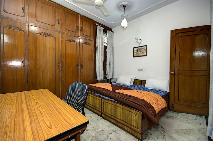 Value for money in South Delhi - New Delhi - Ev