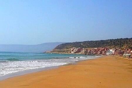 appt in a villa by the sea