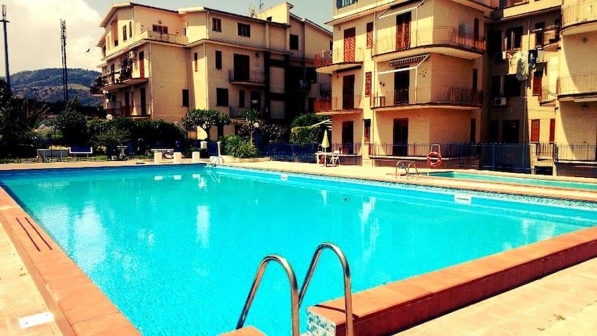 Appartamento per le tue Vacanze a Falcone - Falcone - Leilighet