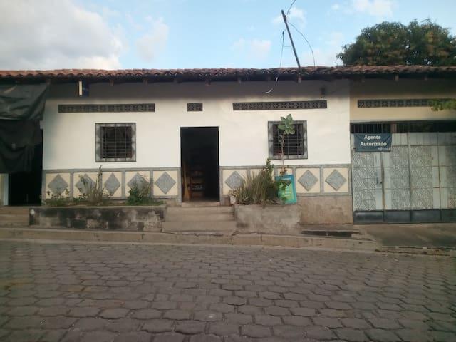 San Miguel, Comacaran