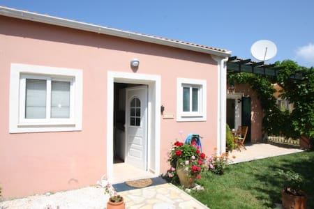 Wisteria Villa-St George Sth Corfu - Linia - Villa