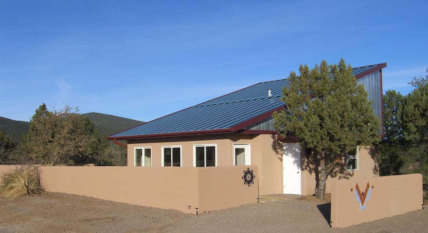 A Power House; newly built Casita - Silver City - Casa
