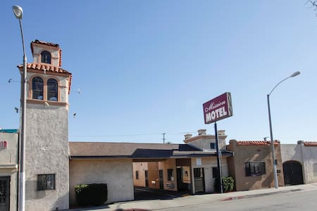 Motel Room ,Free wifi and parking - Lynwood