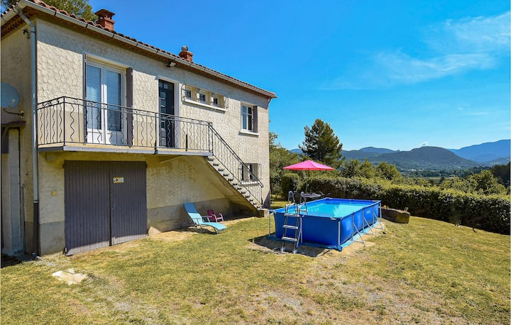 Holiday cottage with 2 bedrooms on 90m² in Entrechaux