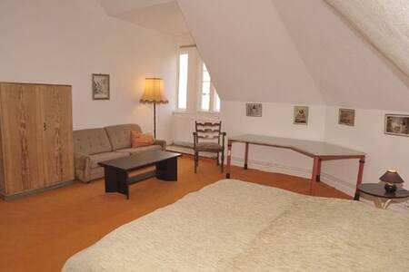 Wohnung 3 Zimmer Gem - Küche Bad - Wohnung