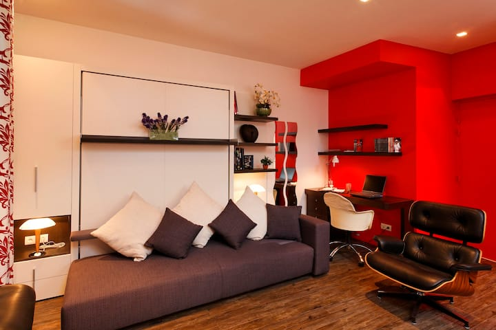 Amazing 4 star studio La Savoyarde for 2, Annecy