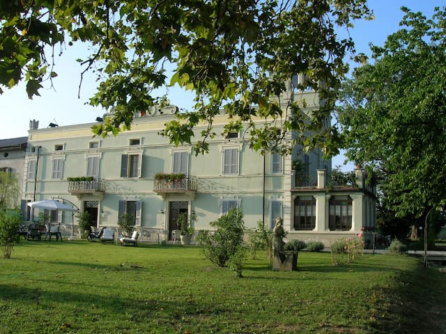 b&b Villa Albertina near to Parma - Trecasali