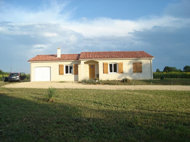 Quiet home with an adventurous owner - Serres-et-Montguyard