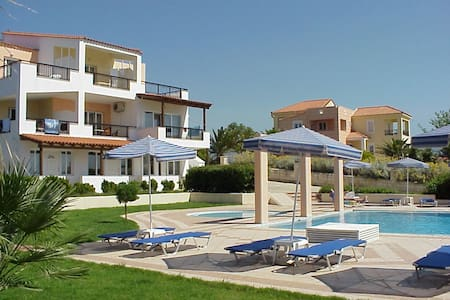 Lofos Apartments Rethymno/family ho - Rethimnon - Bed & Breakfast