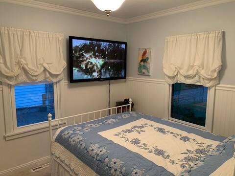 1 Bedroom Quiet, Safe, Clean