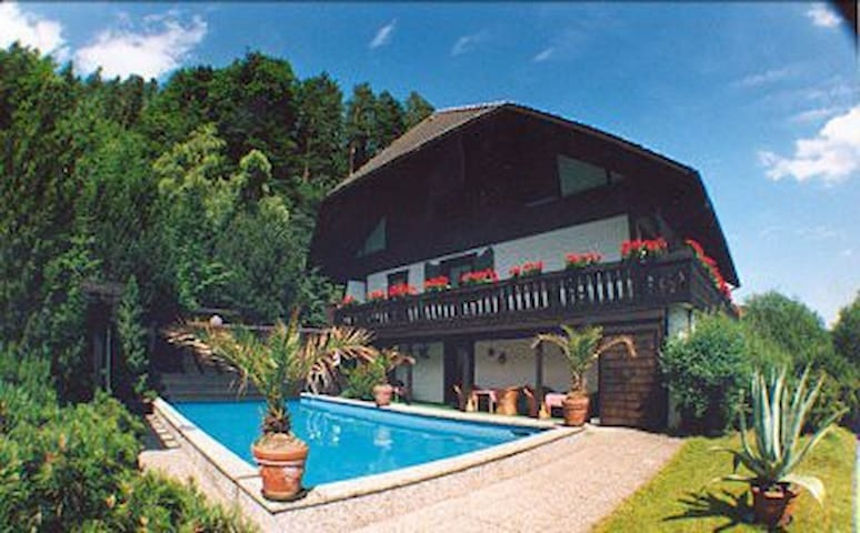 Black forest: Apartments with pool - Lauterbach - Apartamento