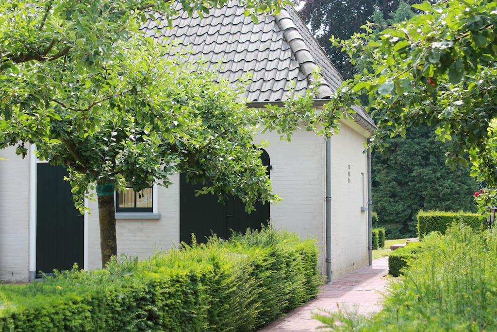 B&B Koetshuis met eigen ingang