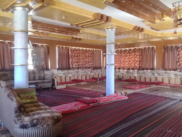 Bedouin Discovery Home, Petra (private room)
