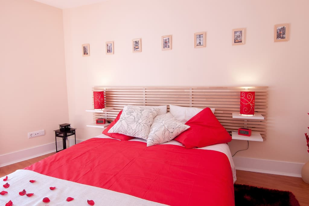 Lisbon Room 1