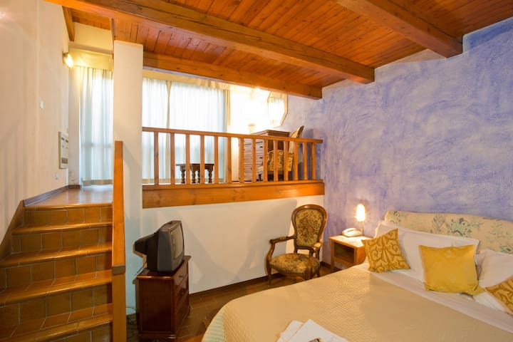 Country Hotel in the Langhe Valley - Bossolasco - Bed & Breakfast