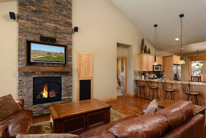 Brasada Ranch Powell Butte - 1 BR Brasada Cabin w/ Hot Tub