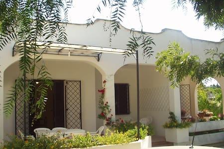 Merditerranes Ferienhaus in PortoCe - Porto Cesareo - Casa de camp