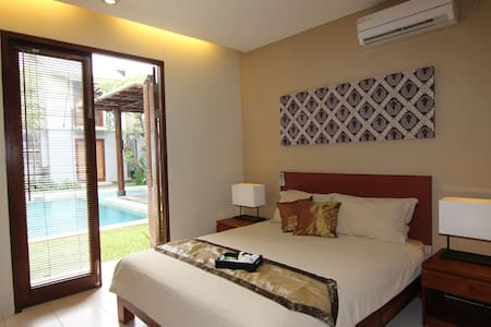 Chic Quarter Residence Room02 - Yakarta - Bed & Breakfast