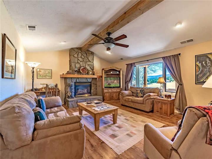 DB Mountain, 2 Bedrooms, Firepit, WiFi, Jetted Tub, Fenced Yard, Sleeps 6
