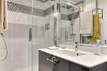 Bathroom: The 5 square meters bathroom is contiguous to the bedroom. It is equipped with : washbasin, shower, tiled floor, 1 separated toilet in the apartment.