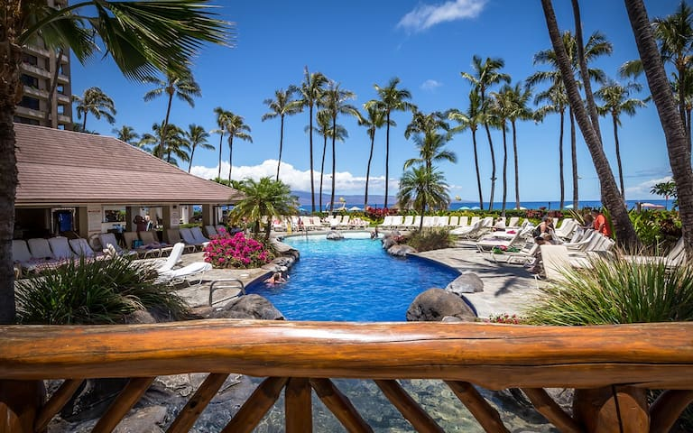Kaanapali Alii - Luxury Condo Resort -Oceanfront, Heated Swimming Pool with Waterfall