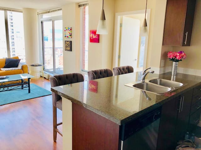 1 Bedroom - Beautiful and Central