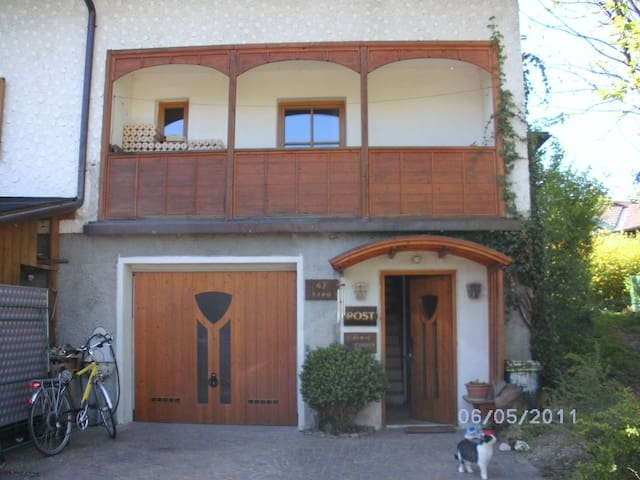 Haus in wunderbarer Lage/ wonderful house - Henndorf am Wallersee - บ้าน