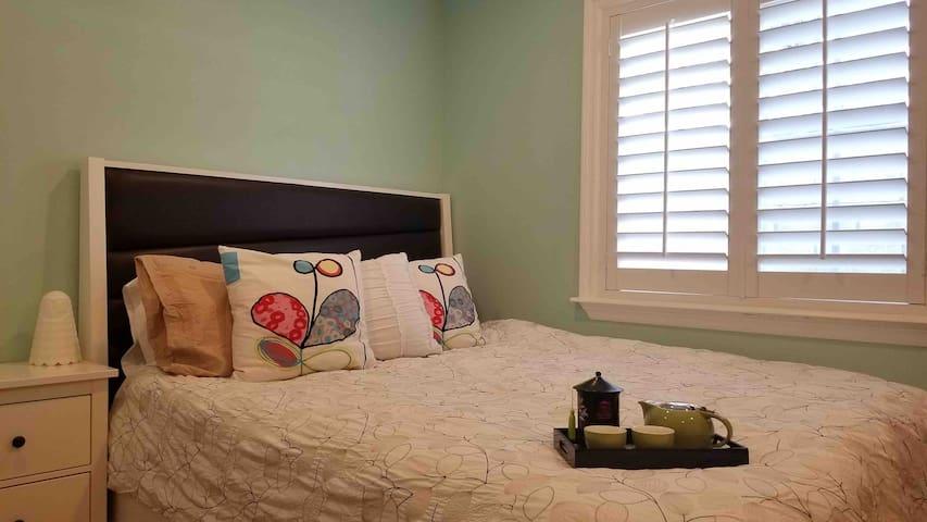 舒适大床房房配独立卫生间