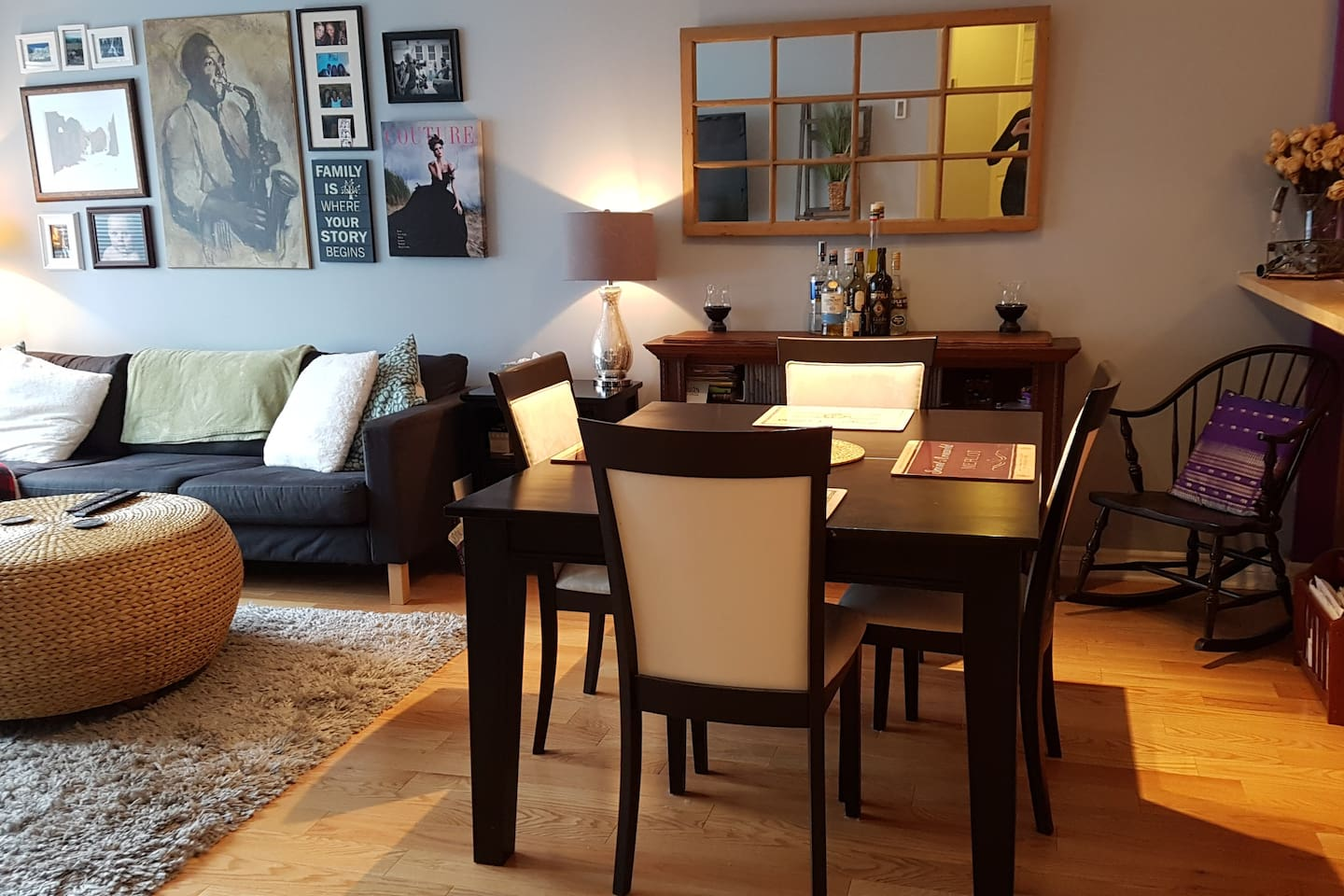 Charming, quiet, clean and comfortable 2 bedroom condo with private entrance, 15 minutes from downtown Montreal.