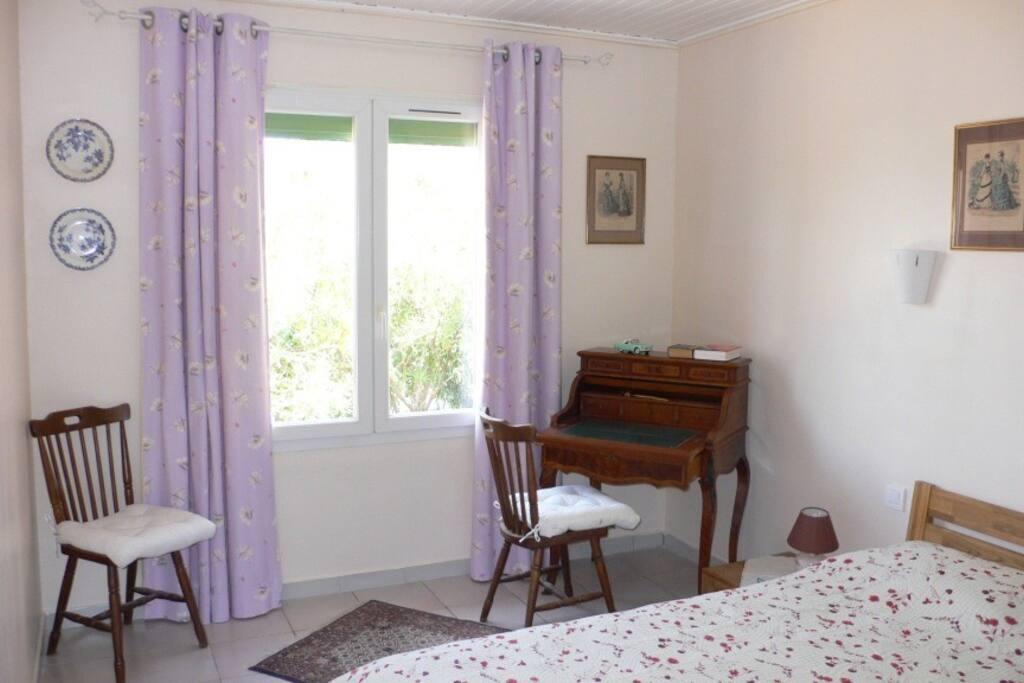 chambre au NORD sur terrasse Lit double 160 X 200