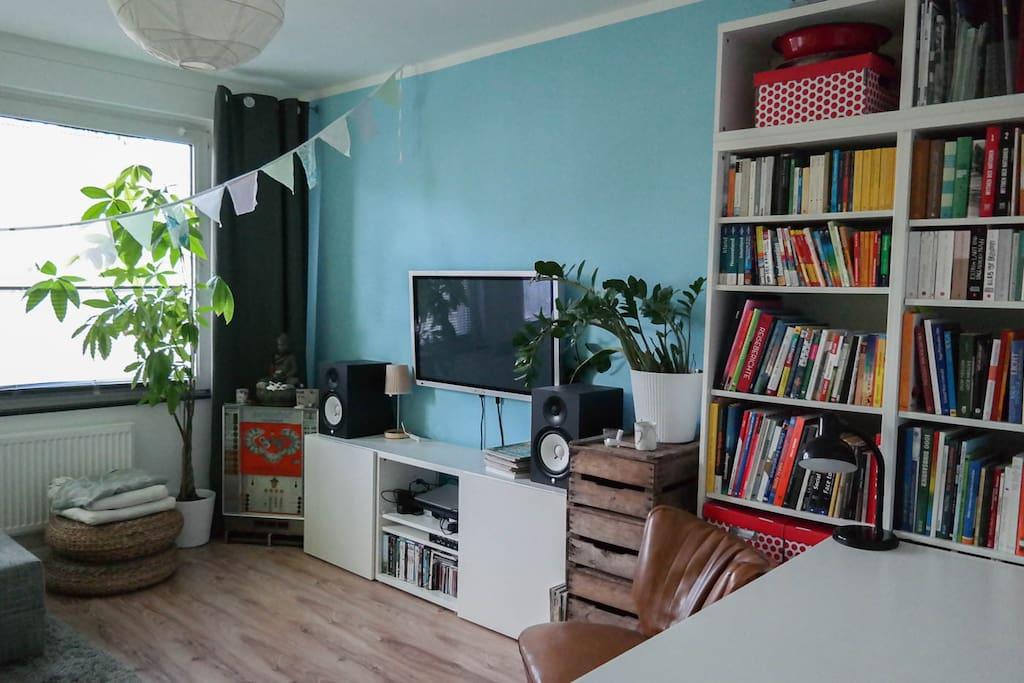 Das Wohnzimmer (rechte Wand)