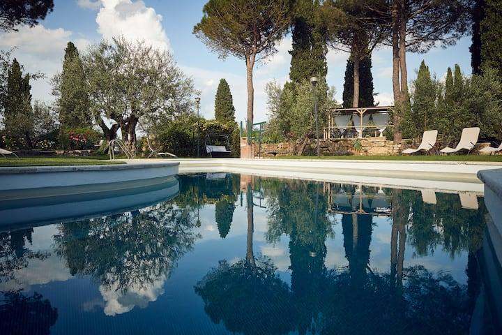 Le Balze -  apt.Rustico in Villa Parco con Piscina