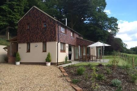 Holly Cottage, Surrey Hills - Ewhurst